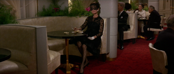 audrey hepburn's style-how to steal a million (14)