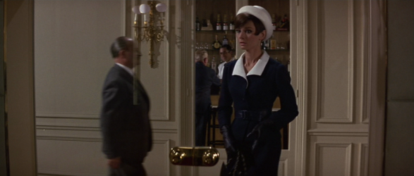 audrey hepburn's style-how to steal a million (25)