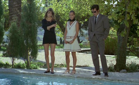 Style in film la piscine classiq for Choupi et doudou a la piscine