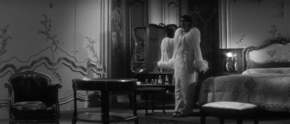 costumes-last year at marienbad