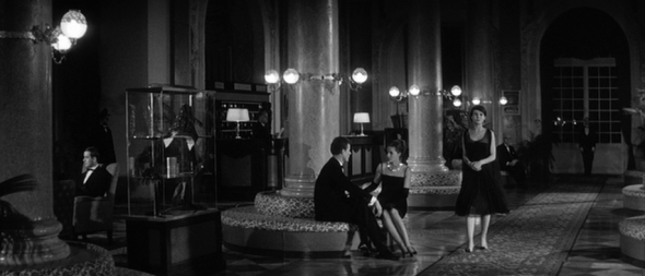 delphine seyrig's style-last year at marienbad (15)