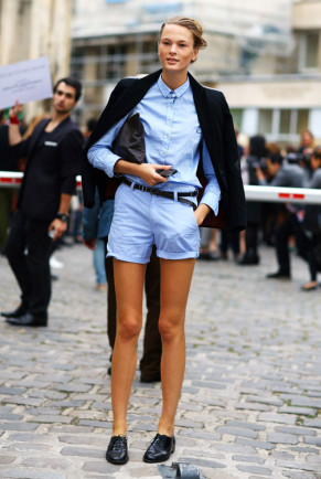blue shirt-street peeper