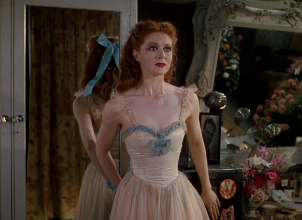 costumes the red shoes (17)
