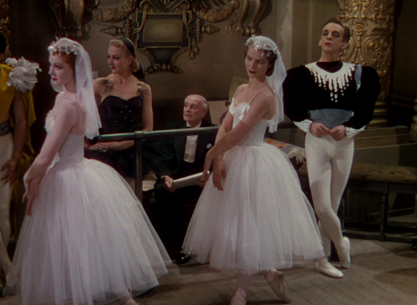costumes the red shoes (5)