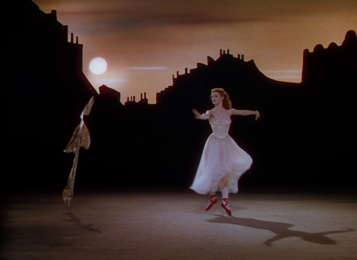 The Red Shoes Movie Review & Film Summary (1948) | Roger Ebert