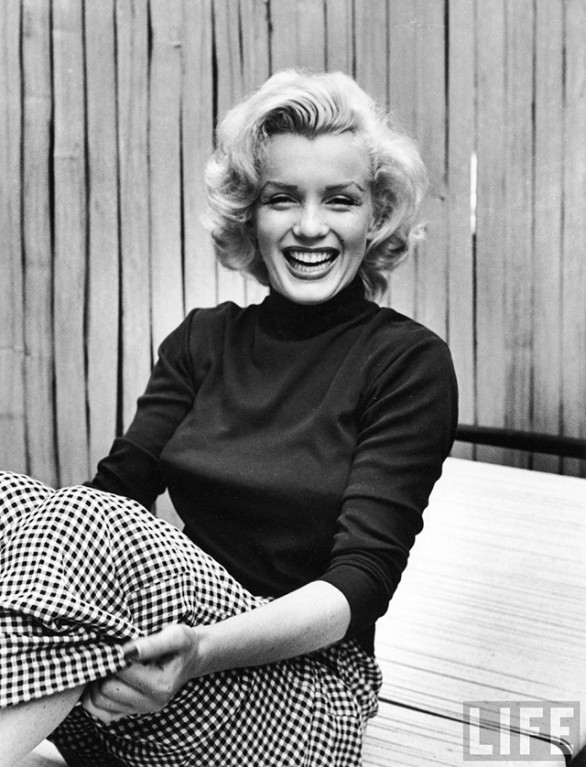 Marilyn Monroe at home in Hollywood by Alfred Eisenstaedt, 1953 -2