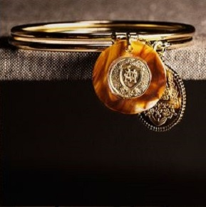 Massimo Dutti Holiday lookbook-coin bangles