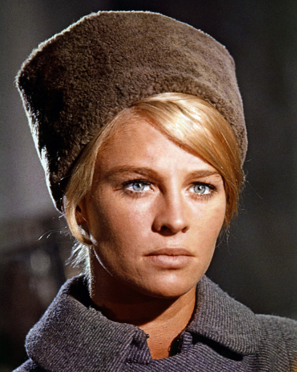 <b>Julie Christie</b> in Dr Zhivago - Julie-Christie-in-Dr-Zhivago
