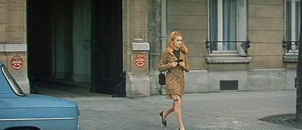 Catherine Deneuve's style in Mississippi Mermaid 13