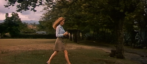 Catherine Deneuve's style in Mississippi Mermaid 6