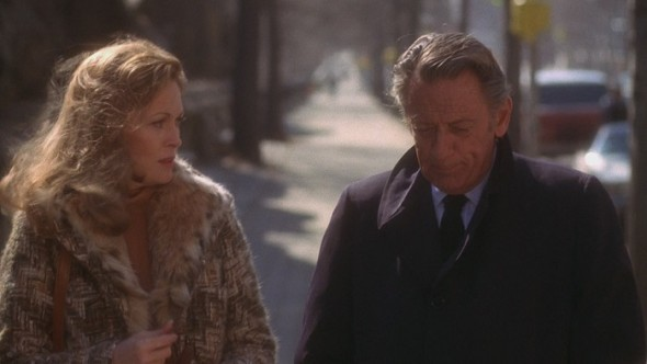 Faye Dunaway's style in Network-10