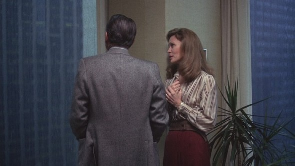 Faye Dunaway's style in Network-3