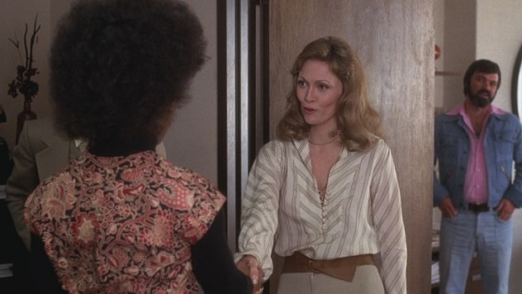 Faye Dunaway's style in Network-5