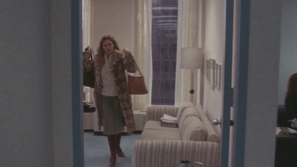 Faye Dunaway's style in Network-6