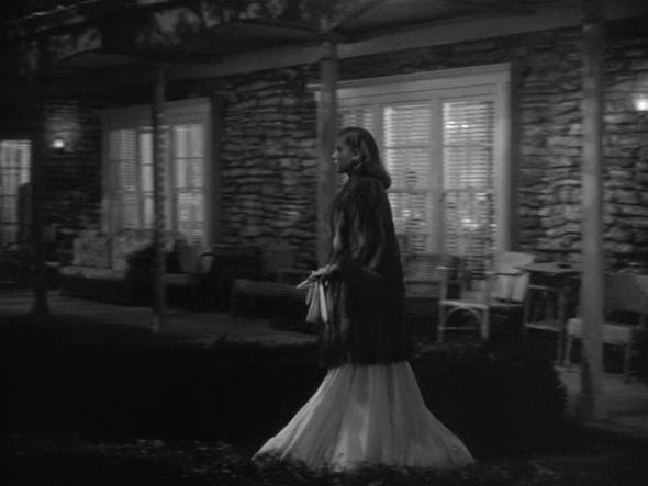 Lauren Bacall's cpstumes The Big Sleep-3