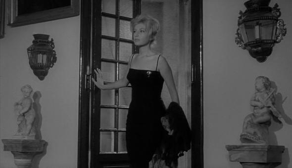 Style in film-Monica Vitti in L'Avventura-2