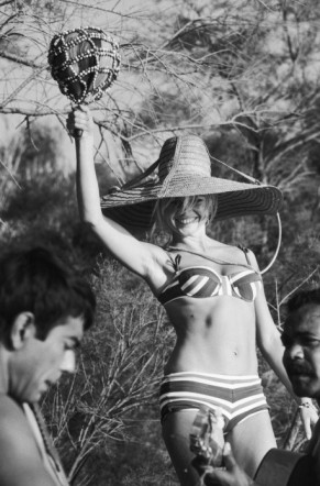 The summer look of Brigitte Bardot-6