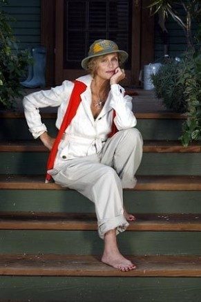 The summer look of Lauren Hutton-3