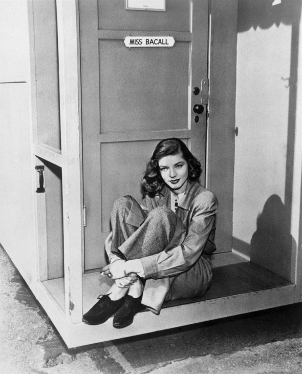 Lauren Bacall 1946 during shooting The Big Sleep