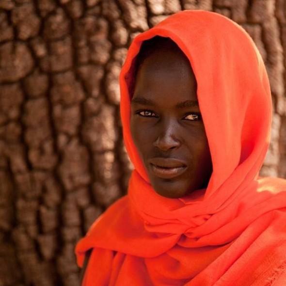Obakki Foundation scarf