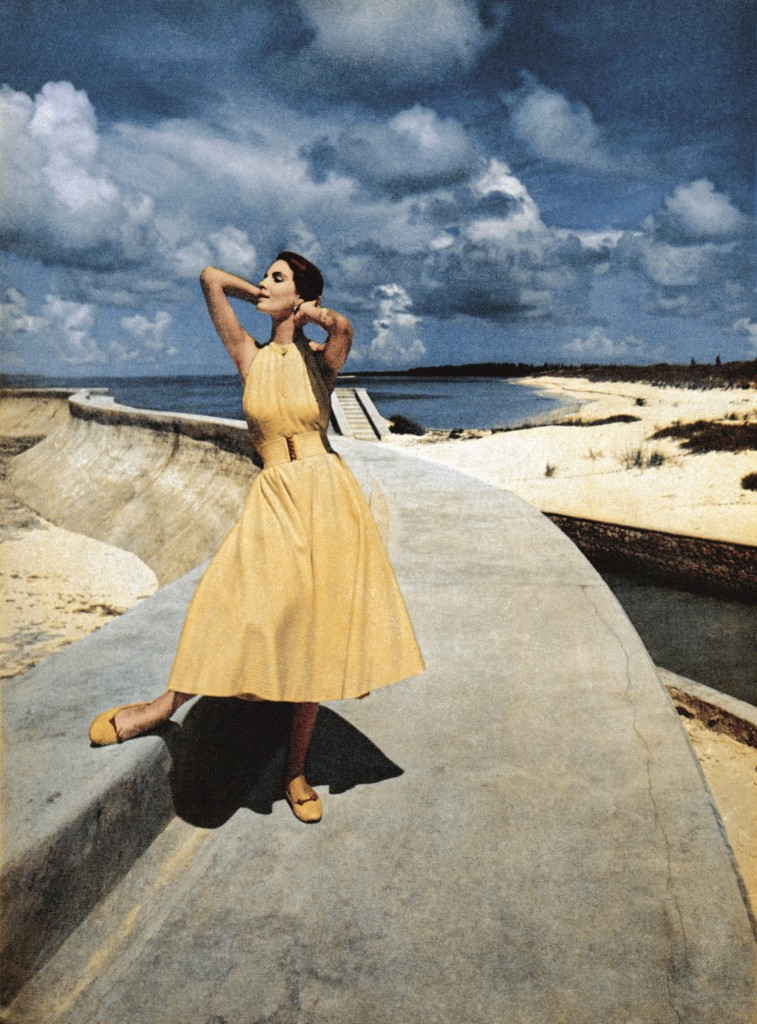 Derujinsky Capturing Fashion