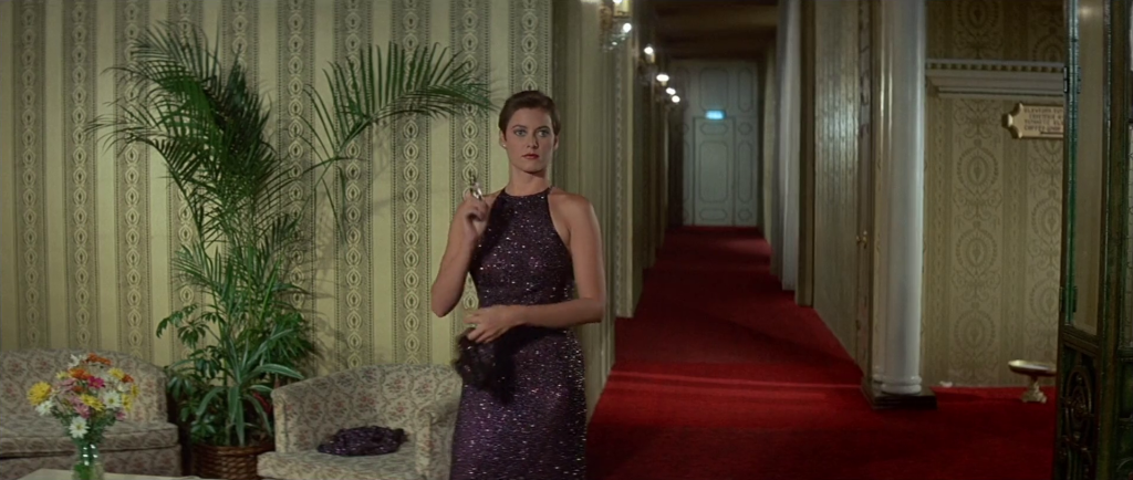 Bond girl style-Carey Lowell in Licence To Kill